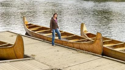 In solchen Kanus wurden die Felle nach Montreal transportiert, Fort William, Ontario