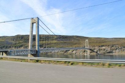 Unzählige Brücken verbinden die Inseln und Halbinseln