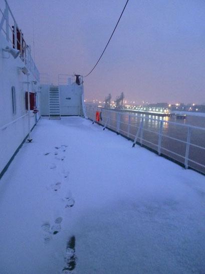 Schnee,...