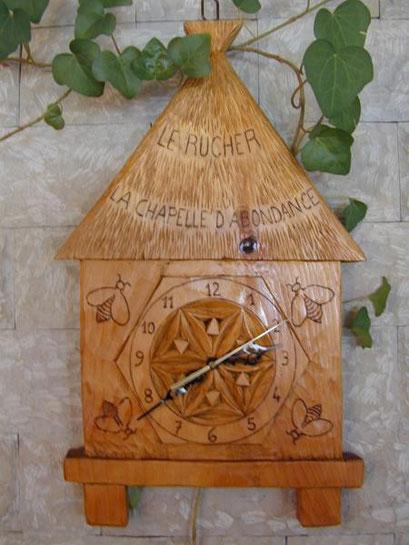 """Au Restaurant """"Le Rucher"""" : l'horloge"""