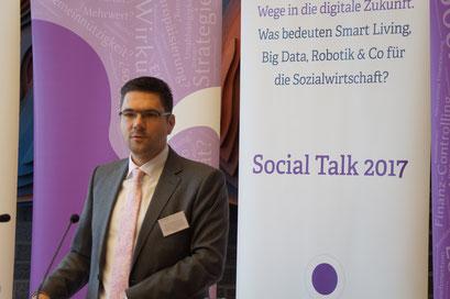 Einführung und Eröffnung des Social Talk 2017 von Prof. Dr. Michael Vilain, Geschäftsführender Direktor IZGS der EHD | © Sabine Schlitt, EKKW