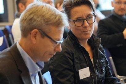 Dr. Harald Clausen (Diakonie Hessen) und Christina Marx (Aktion Mensch e.V.) beim Social Talk 2017 © Sabine Schlitt, EKKW
