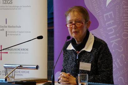 Grußworte von Prof. Dr. Gisela Kubon-Gilke, Vizepräsidentin der Evangelischen Hochschule Darmstadt (EHD) | Social Talk 2017 © Sabine Schlitt, EKKW