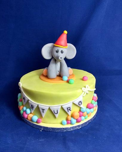 gateau-anniversaire-elephanteau-Tonka Croix Rousse