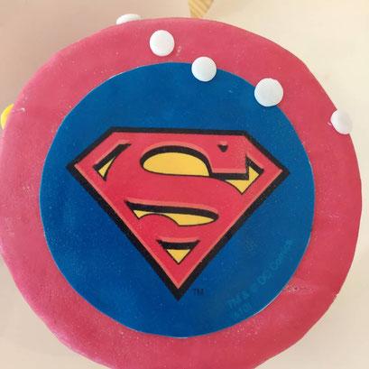 gateau-anniversaire-superman-super-heros-Tonka-Croix-Rousse
