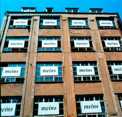 inefficiency and overpoliteness, installation on the apparat-studio house, berlin 1995, 16 polyurethane signs 1x2m
