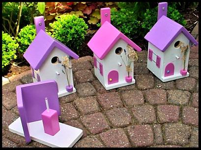 Pindakaas pot houder in lavendel kleur  met wit en nestkastjes in zelfde kleuren