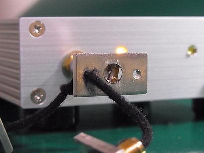 Port1 に LOAD標準器を接続して CAL する様子 と ダイナミックレンジを測定する様子