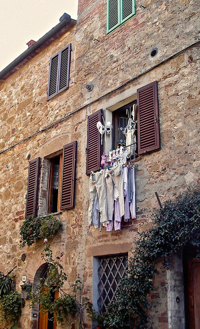 washing, window, to dry, Pienza, Val d'Orcia, Siena, Italy, Toscana, Tuscany
