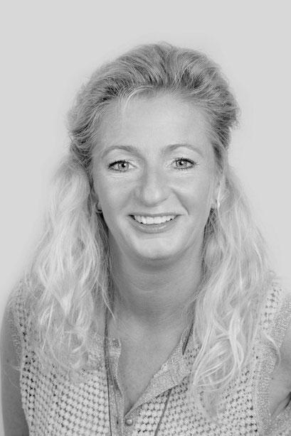 Fotoshoot, Zakelijk: Portretten,  Reisburo, Relik en van Hooft, Zakelijke portretfotografie, Zakelijk portret of professionele profielfoto,  Nieuwe profielfoto's, Portretten van Ondernemende vrouwen