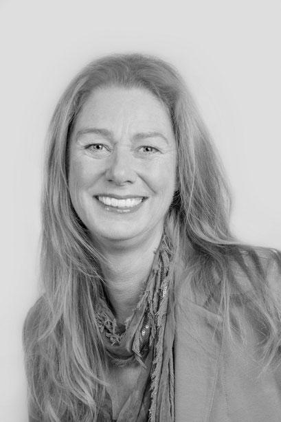 Fotoshoot, Zakelijk: Portretten,  Reisburo, Relik en van Hooft, www.relikenvanhooft.nl, Nieuwe profielfoto's, Portretten van Ondernemende vrouwen