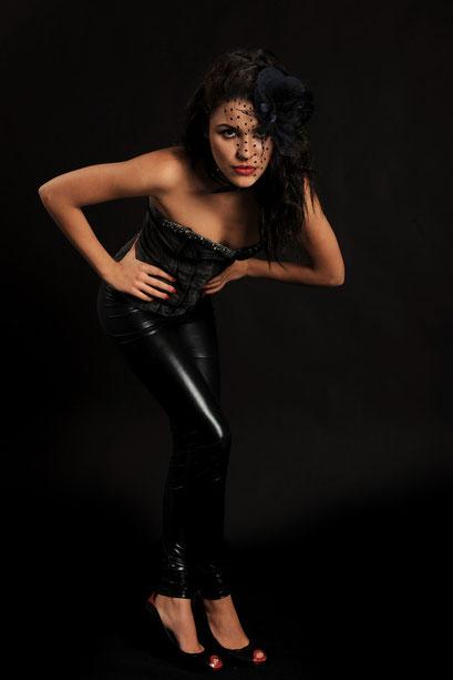 Model Carola Savio