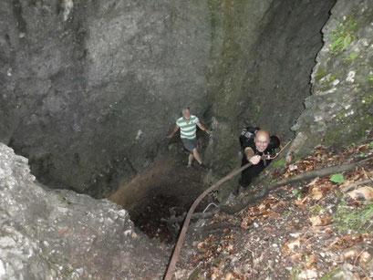 durch schroffe Felseinbrüche