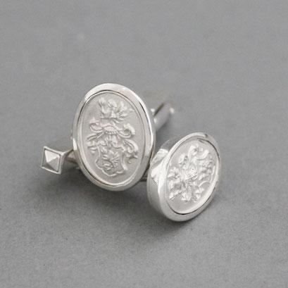 Manschettenknöpfe mit Wappen als Relief aus 925er Silber