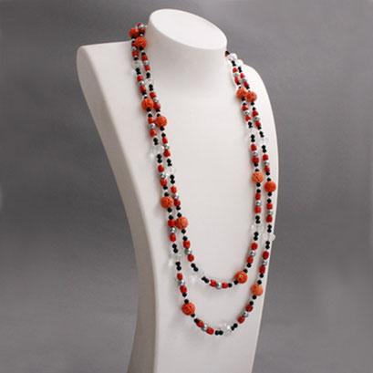 Korallenkette mit Onyx, Bergkristall und grauen Perlen, Länge: 140cm