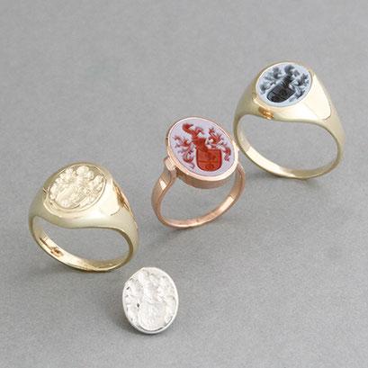 Herren und Damen Wappenring als Eheringe, Wappenring mit Gravur in Metall für den kleinen Finger