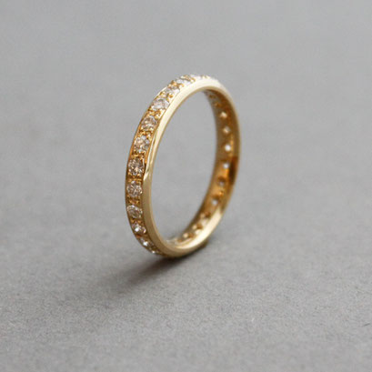 Memoire Ring, 750er Gelbgold ,Steingröße und -qualität variabel, Preis auf Anfrage