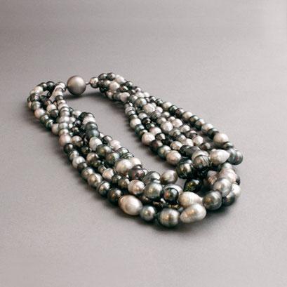 Südseeperlenkette, barokeTahitiperlen, 5 Stränge, ca. 230 Perlen, Patenschloß, 750er Weißgold