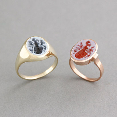 Herren und Damen Wappenring, Steine: hellblau und roter Lagenachat, Ringe 585er Gelb- und Rotgold