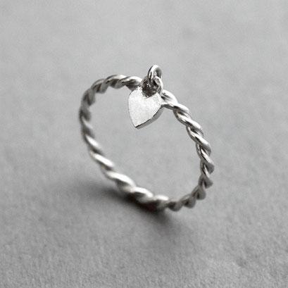 Kordelringe mit Herz aus 925er Silber, hängend