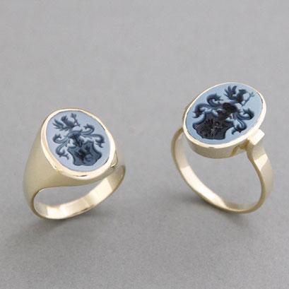 Herren und Damen Wappenring, Steine: hellblau Lagenachate, Ringe 585er Gelbgold