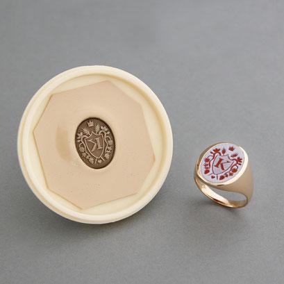 Damensiegelring aus 750er Roségold als Sonderanfertigung mit Schellack Abdruck