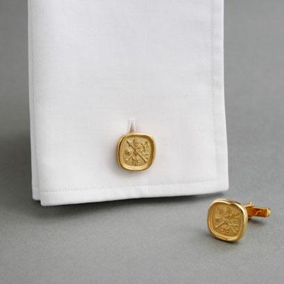 Manschettenknöpfe mit Wappen als Relief, 925er Silber, Gold plattiert