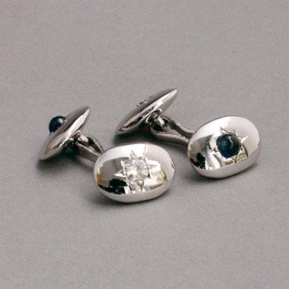 Durchsteckmanschettenknöpfe (Um das Anziehen zu erleichtern, werden die Knöpfe zuerst an dem Hemd befestigt),925er Sterlingsilber, 2 blaue Saphirecabochons, 2 Zirkonia