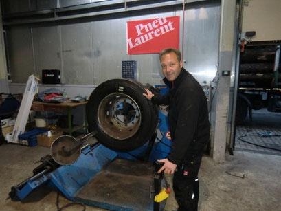Reifen-Meister Pannen LKW