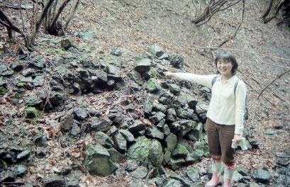 銅鉱石の集積所(99年)
