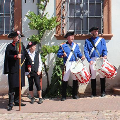 Eröffnungsspiel des Klatschmohn Seligenstadt e.V. zum Zunft- und Handwerkermarkt