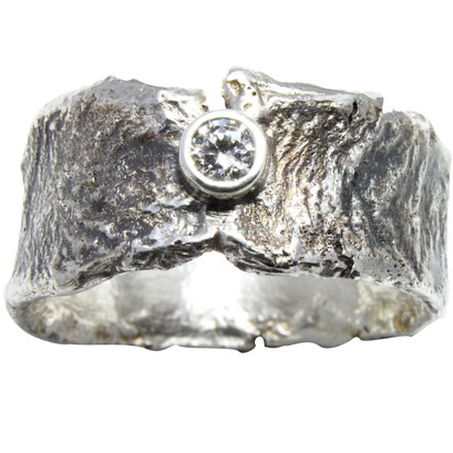 Reticulated Silver ring set with a gorgeous diamond