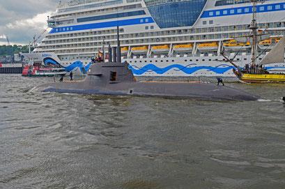 U-Boot S 184/U 34 (Deutschland) zum Hamburger Hafengeburtstag 2012