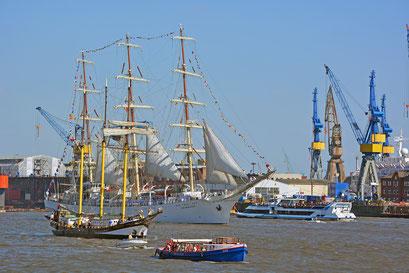 DAR MLODIEZY zum 827.Hamburger Hafengeburtstag