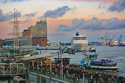 Im Hamburger Hafen zu den Hamburg Cruise Days 2017