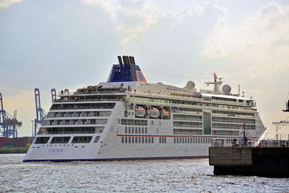 MS EUROPA 2 beim 826.Hamburger Hafengeburtstag am HCC Altona auslaufend am 08.05.2015