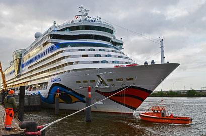AIDAluna zum Hamburger Hafengeburtstag 2012