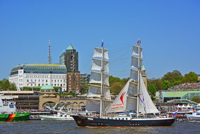 Mercedes zum 827.Hamburger Hafengeburtstag
