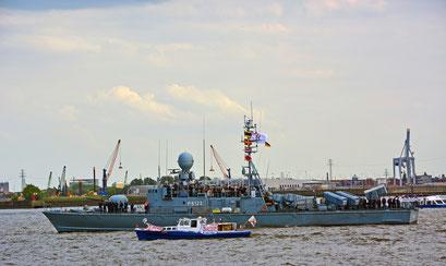 """Schnellboot P6122 """"Puma"""" zur Einlaufparade beim 826.Hamburger Hafengeburtstag am 08.05.2015"""