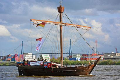 UBENA VON BREMEN (Kogg/D) beim 824.Hamburger Hafengeburtstag 2013