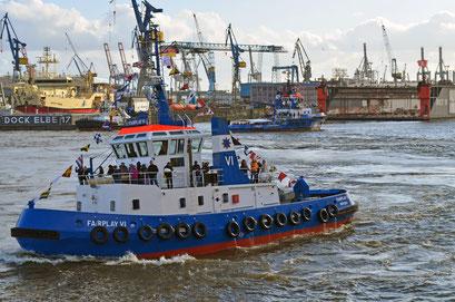 FAIRPLAY VI beim Schlepperballett zum Hamburger Hafengeburtstag 2012