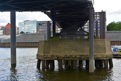 Die Gründung der Überseebrücke