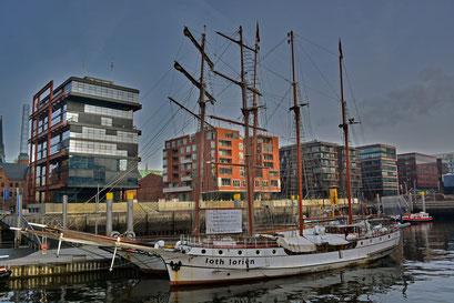 loth lorien im Traditionsschiffhafen der Hafencity