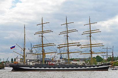 DAR MLODIEZY (Dreimast-Vollschiff,Schulschiff/Polen) beim 823.Hamburger Hafengeburtstag 2012