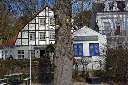 Zum Alten Lotsenhaus am Elbstrand/Elbhang Övelgönne