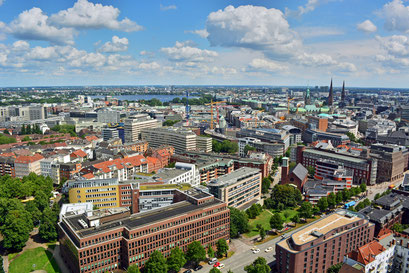 Blick über die Innenstadt zur Alster