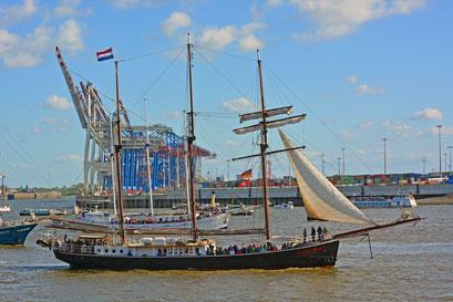 Hendrika Bartelds zum 830.Hamburger Hafengeburtstag