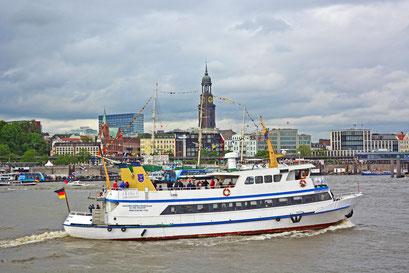 Hamburger Hafen mit der STÖRTEBEKER zum 825.Hamburger Hafengeburtstag 2014