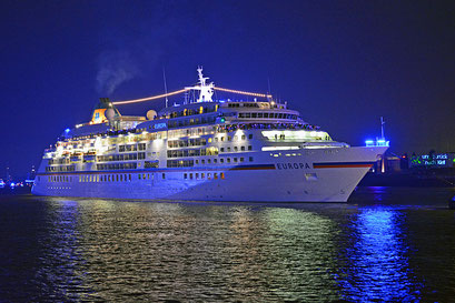 MS EUROPA den Hamburg Cruise Days am 12.09.2015