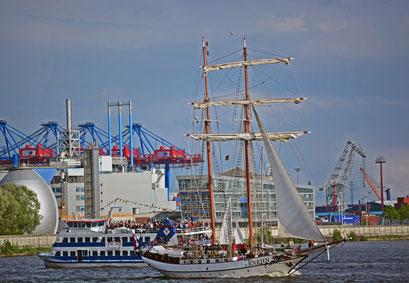 ATLANTIS beim 824.Hamburger Hafengeburtstag 2013